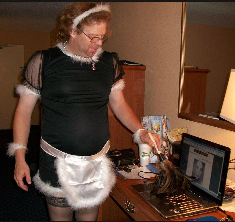 sissy maid1.jpg